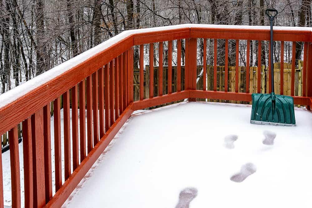 Should you shovel snow before freezing rain?