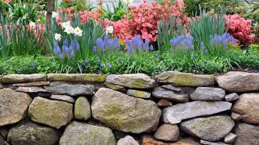 How to build a rock garden border