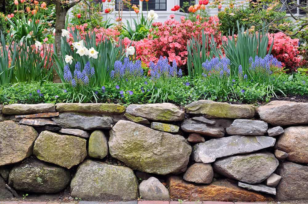 How To Build A Rock Garden Border 5, How To Build A Stacked Stone Garden Border