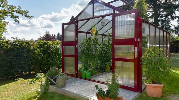 How to build a greenhouse base using paving slabs