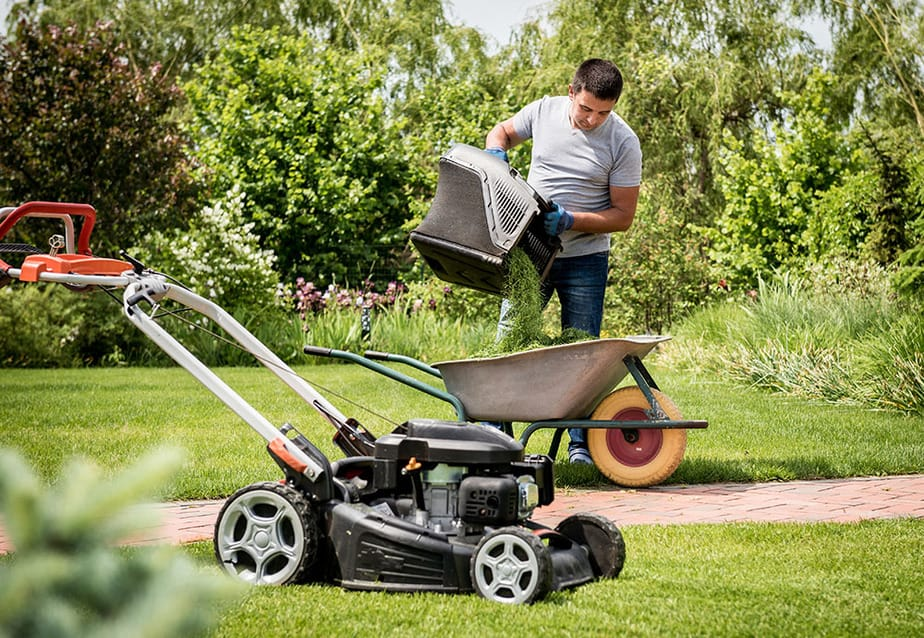 Tips for mixing grass clippings into soil