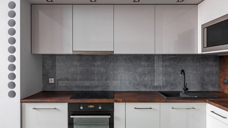 How to remove grease from granite backsplash