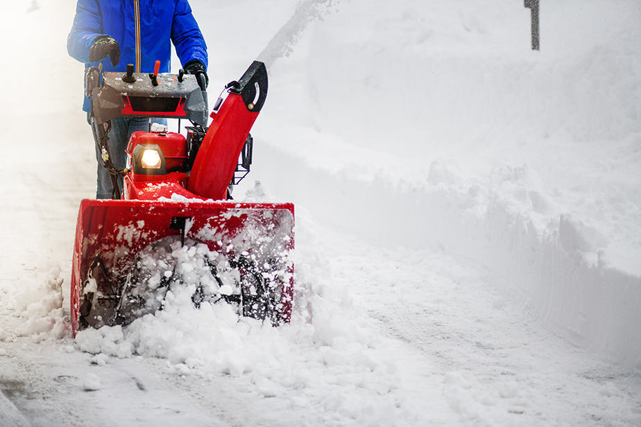 Best way to clear snow from long driveway