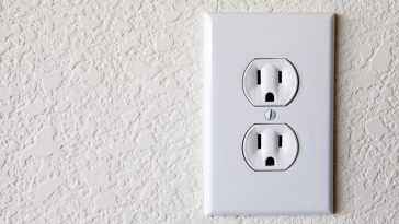 12 or 14 gauge wire for outlets?