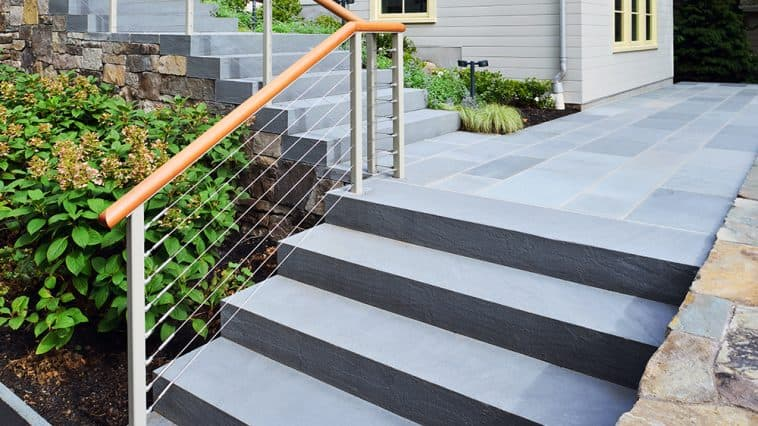 How to install cable railing around corners